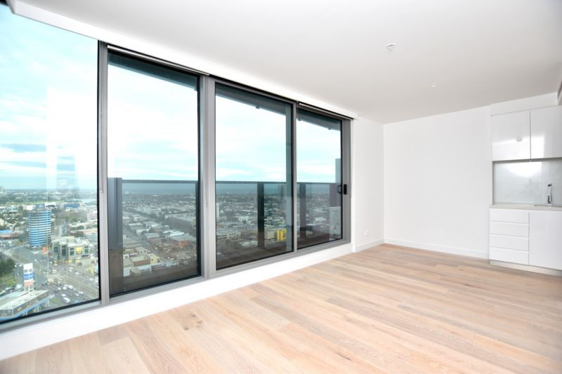 Fantastic Brand New 2 bedroom apartment on the 28th Floor!
