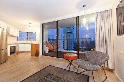 BURLEIGH STUNNER  BEACH SIDE  FULLY RENOVATED !!  FULLY FURNISHED ...