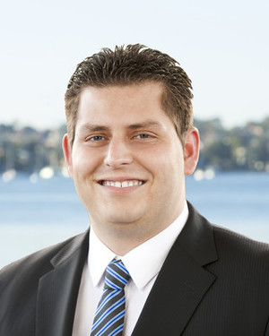 Aaron Papadimatos Real Estate Agent