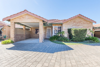 Move in ready! Two-bedroom villa completely repainted throughout and new wooden blackbutt flooring.