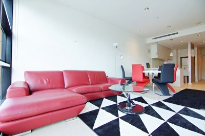 Gorgeous Furnished 2 Bedroom with Direct Water Frontage