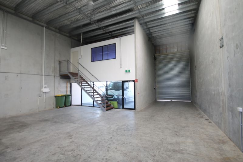 200sqm* MULTI-FUNCTIONAL WAREHOUSE/OFFICE UNIT