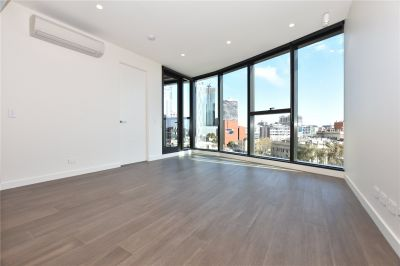 Conservatory: Brand New Two Bedroom Apartment in the Heart of CBD!