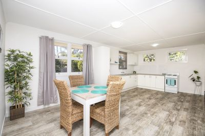 STYLISHLY RENOVATED BRICK HOME IN TOP LOCATION – BE VERY QUICK!