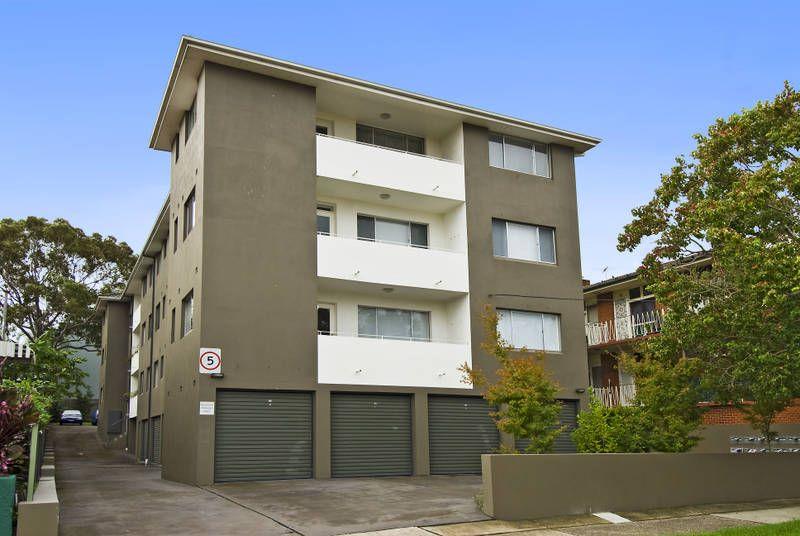 Modern Top Floor Security Apartment!