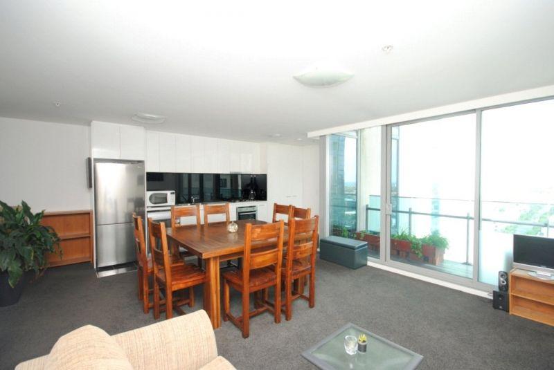 Mainpoint: 20th Floor - Superb Location!