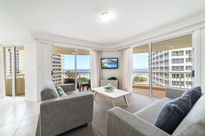 Elegant 3 Bedrooms with Captivating Oean Views