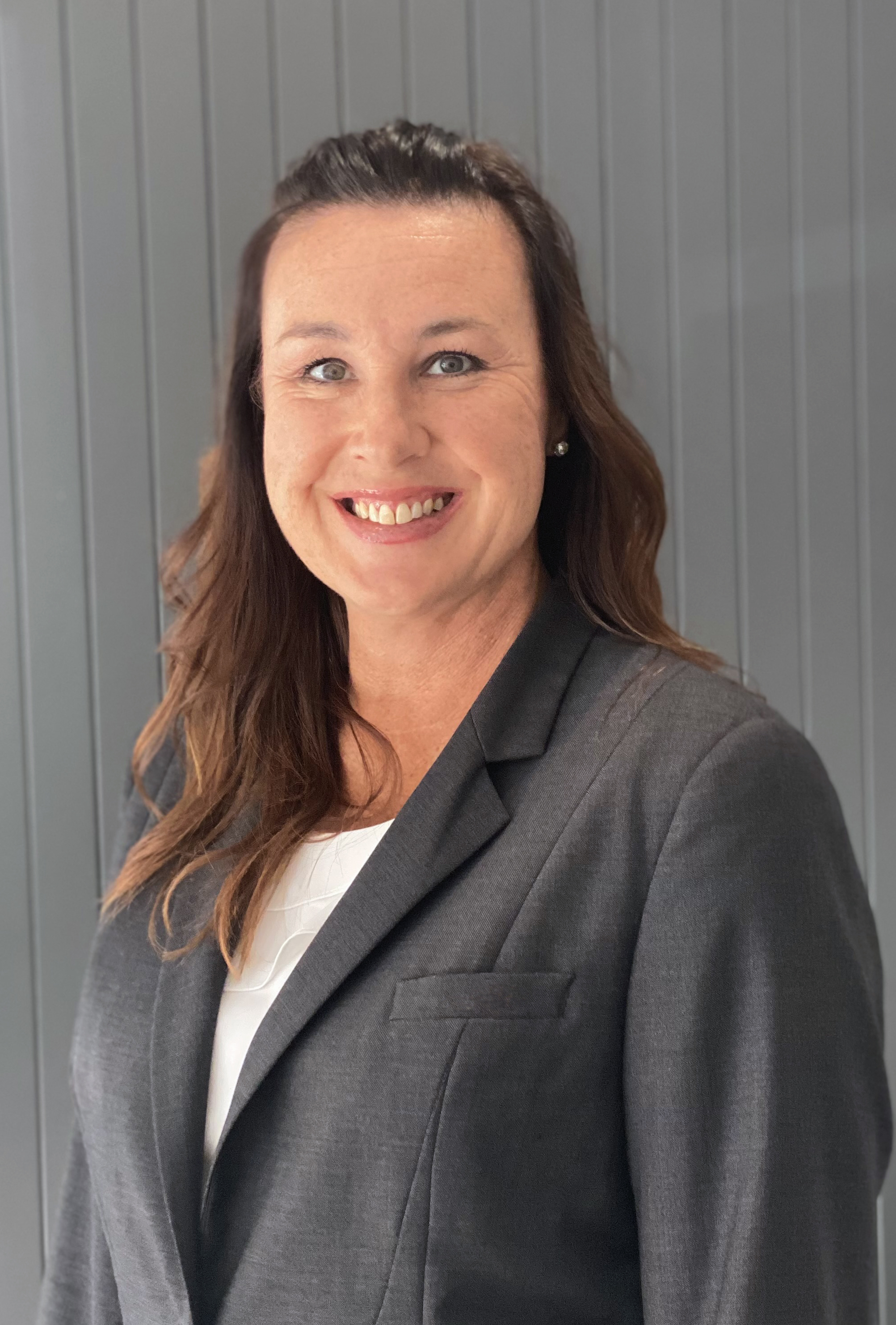 Karina Jones Real Estate Agent