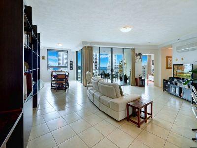 Luxury European Apartment with 54m2 Work Shop & Storage Cage
