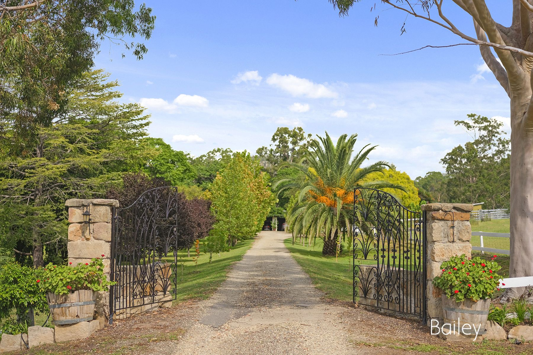 MAGNIFICENT COUNTRY ESTATE | 2 SEPARATE TITLES