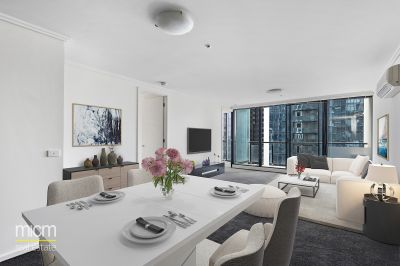 The Sentinel: Light-Filled and Large Southbank Living