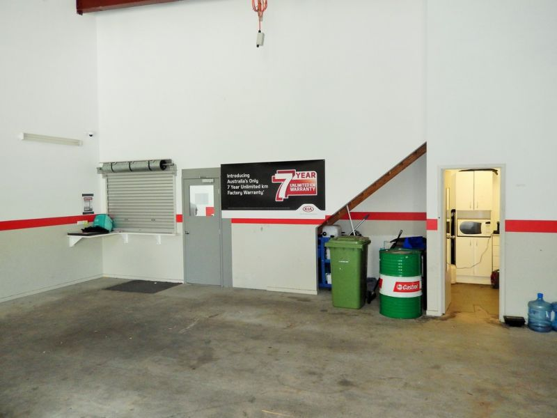 Showroom With Fantastic Exposure