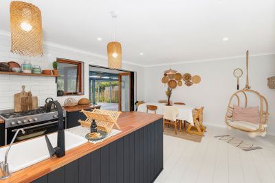 Fantastic Renovated Unfurnished House with Great Entertaining Deck