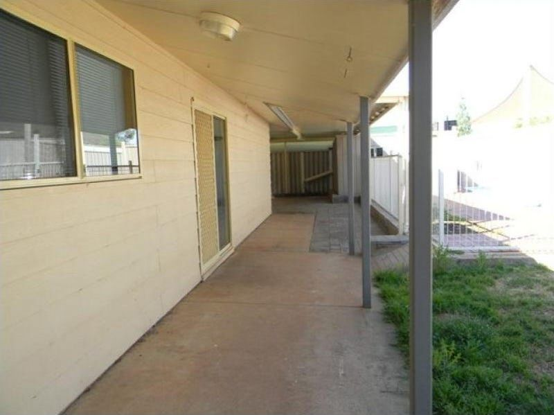 For Sale By Owner: 40 Hermit Street, Roxby Downs, SA 5725