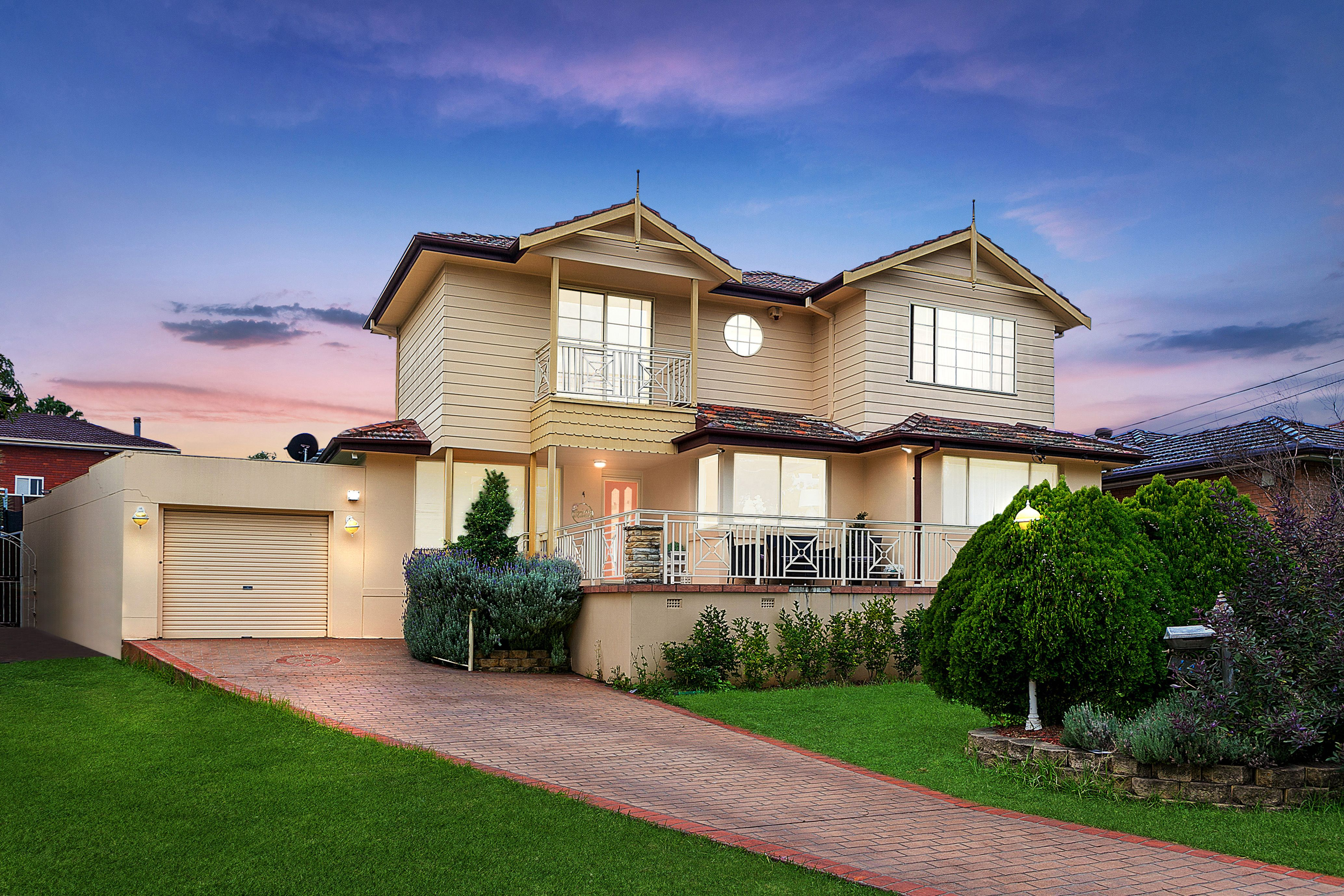 14 Binalong Avenue, Georges Hall NSW 2198