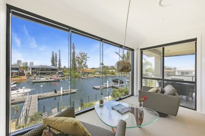 Unbeatable Bridge Free Location - Seconds to Broadwater - 41* Squares
