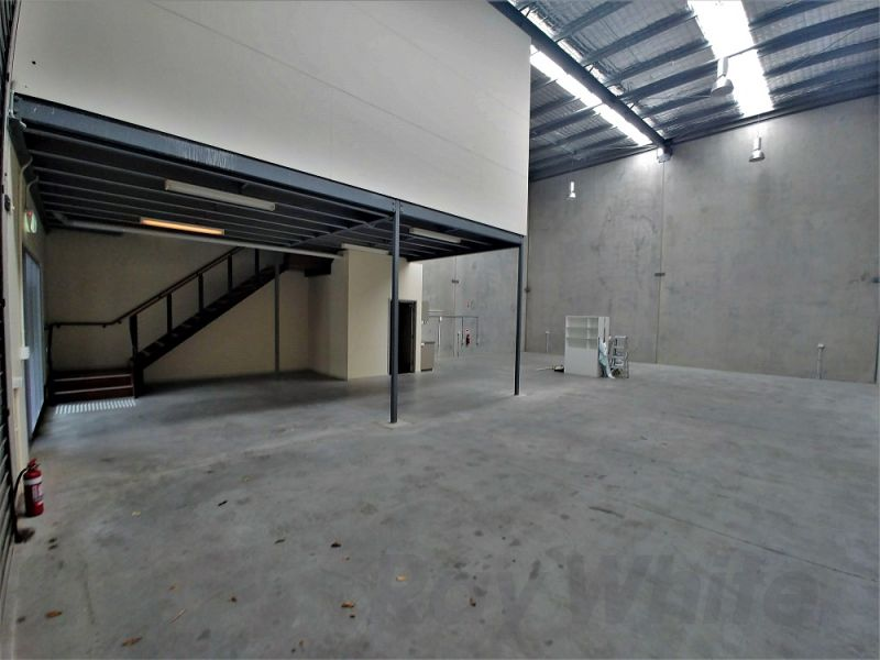 281sqm* MURARRIE OFFICE / WAREHOUSE IN GREAT COMPLEX