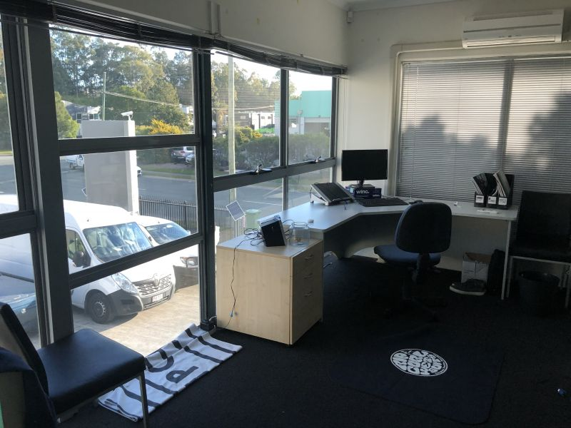 QUALITY OFFICE/SHOWROOM FOR LEASE!