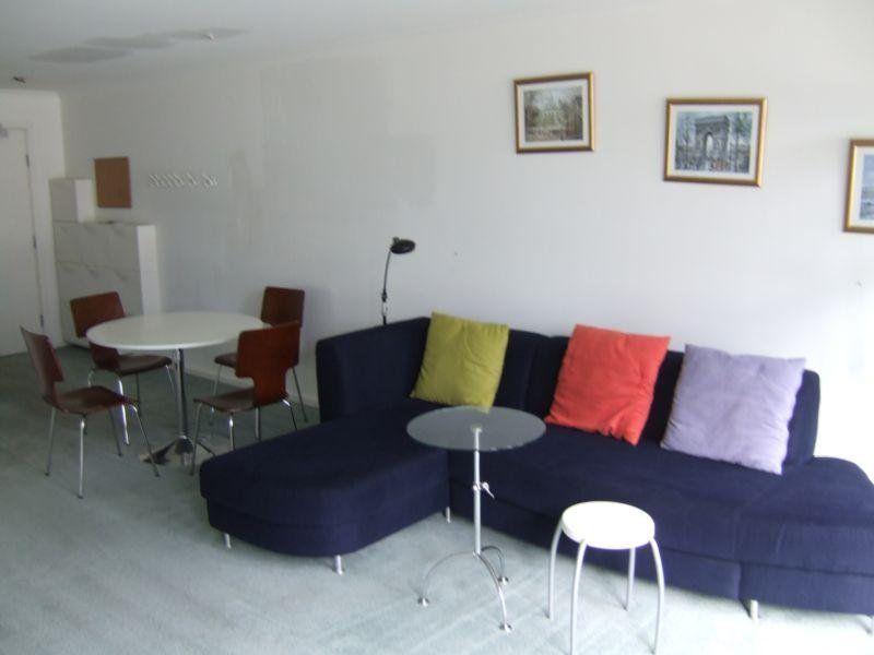 Yarra Condos:5th Floor - Central Living!