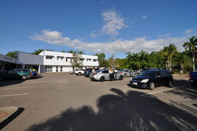 Small professional office or retail tenancy within busy medical centre