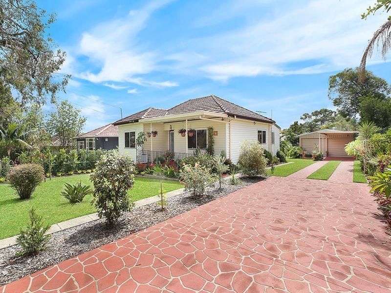 13 Glenelg Street, Sutherland NSW 2232