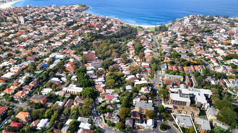 THE ESSENCE OF BRONTE COASTAL LIVING AND CONVENIENCE