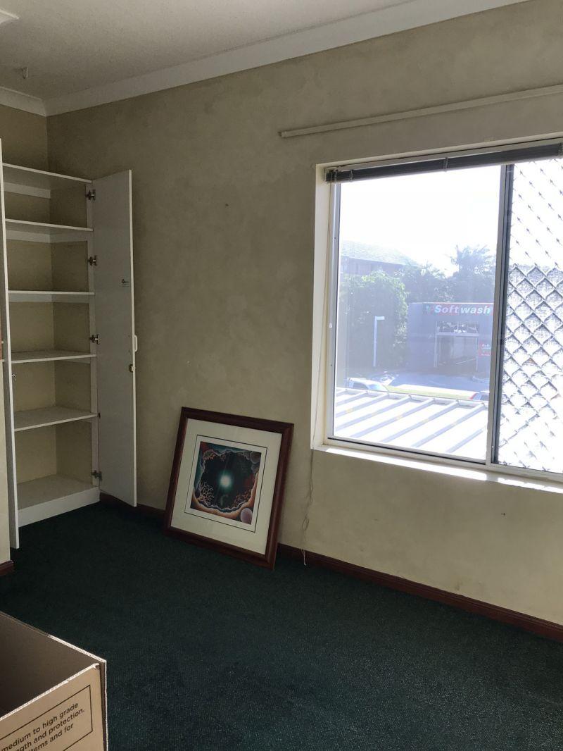 FIRST FLOOR OFFICE IN TRENDY BUILDING
