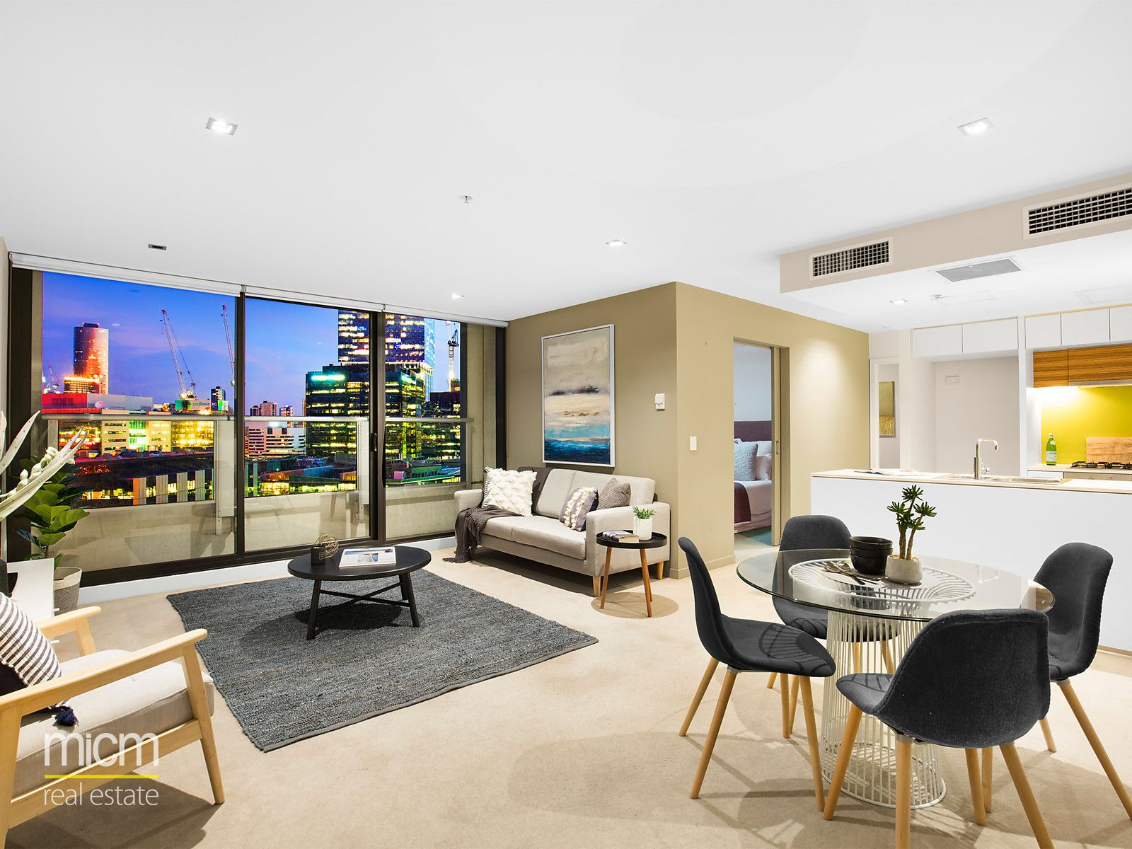 Experience Bright and Stylish Docklands Living!