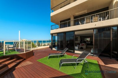 The Ultimate Beach-House style residence in the Heart of Surfers Paradise