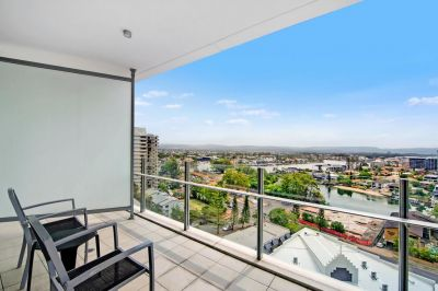 Spacious modern furnished apartment