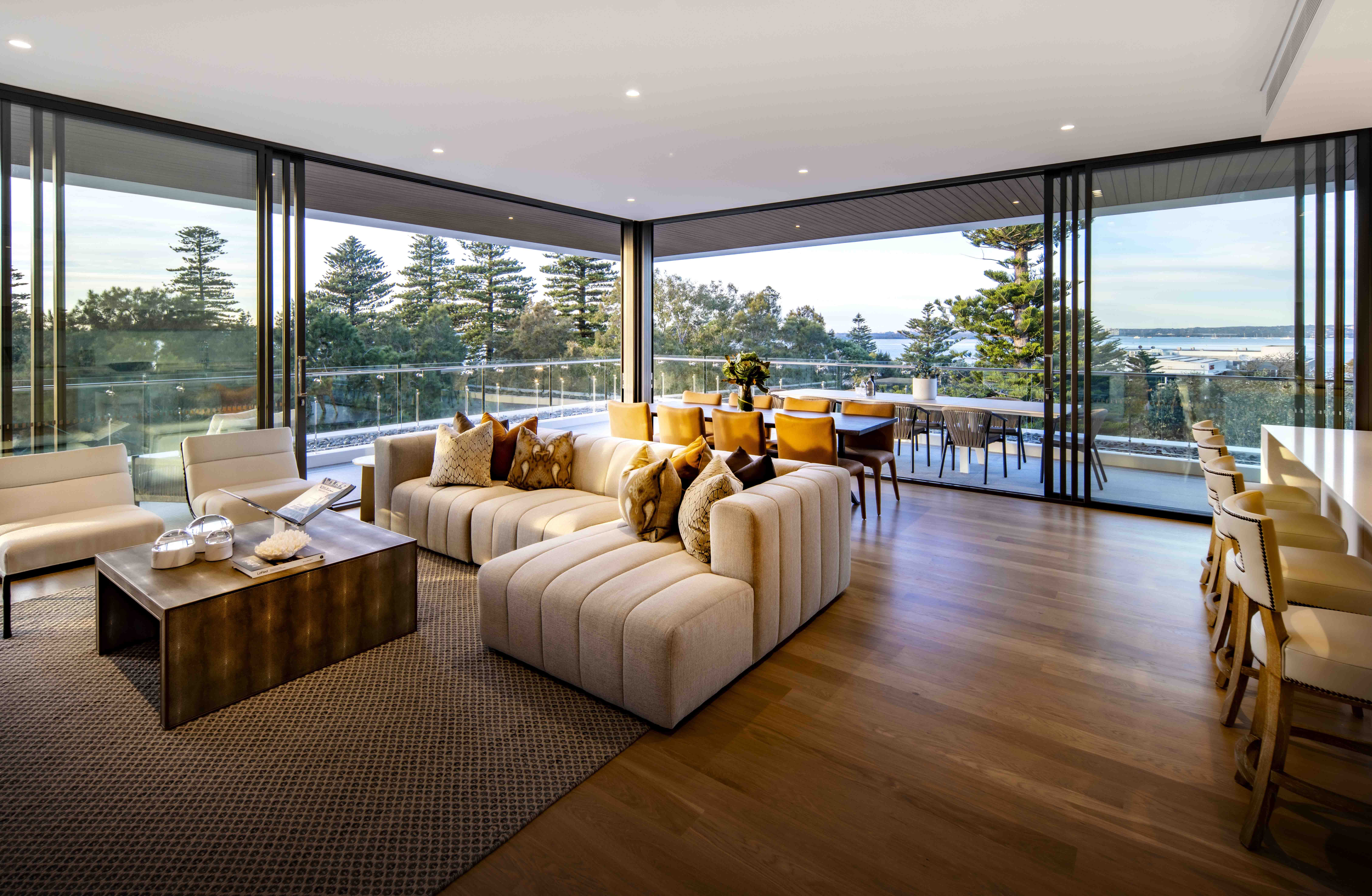 403/177 Russell Avenue DOLLS POINT 2219