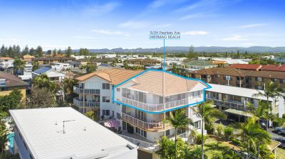RARE, 3 BED 2 BATH 3 SECURE CAR GARAGE APARTMENT FOOTSTEPS TO THE BEACH. Call to arrange your private inspection!!