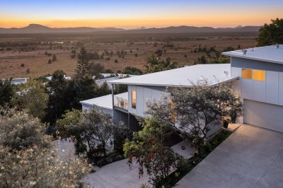 Contemporary Home With Spectacular Hinterland Views