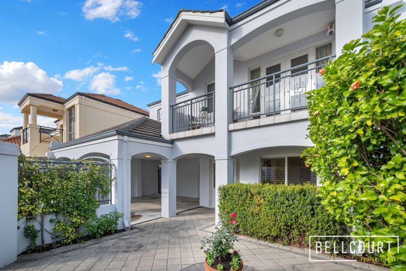 LARGE LIVING 100M FROM BEAUFORT