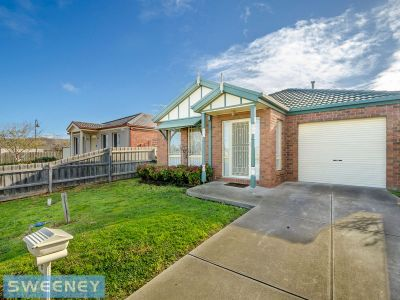 Opposite natural parklands in sought after neighbourhood