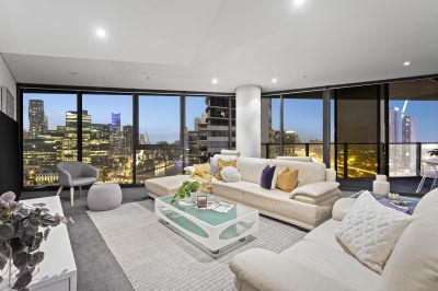 Panoramic views, high style in Tower 5