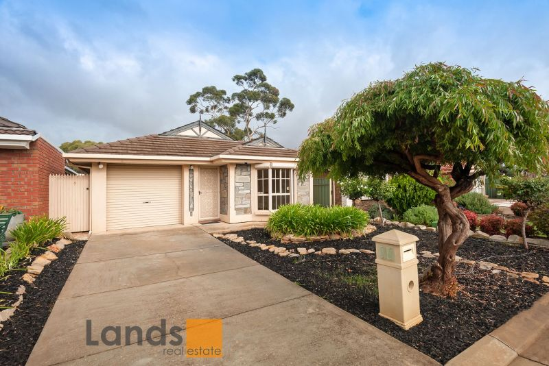 Lovely Bay Window Home with Multiple Living Areas.