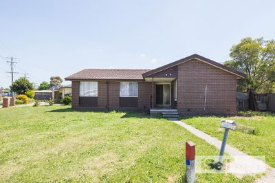 Renovated 3 bedroom home in a GREAT LOCATION!