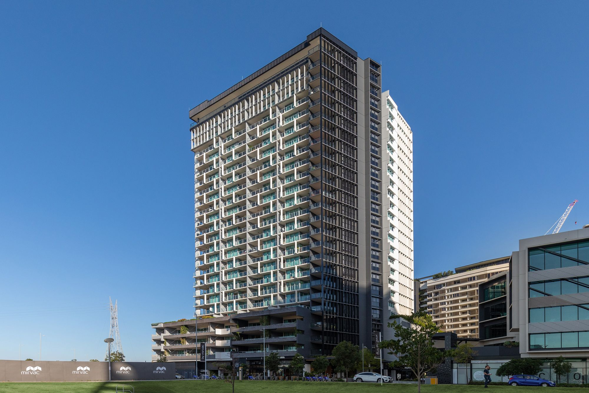 701/30 Festival Place Newstead 4006