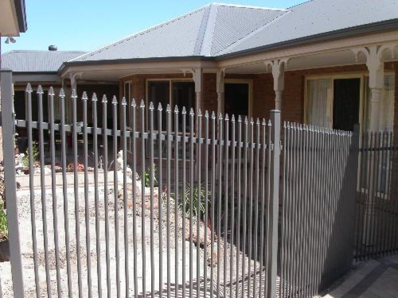 Stashut Pool Fencing