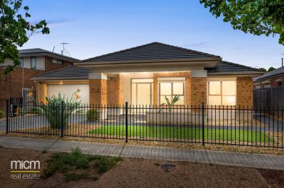 Irresistible Family Spaces, Metres from Featherbrook Shopping