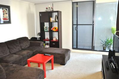 Southpoint - 9th Floor: FULLY FURNISHED One Bedroom Apartment - Convenience And Style!