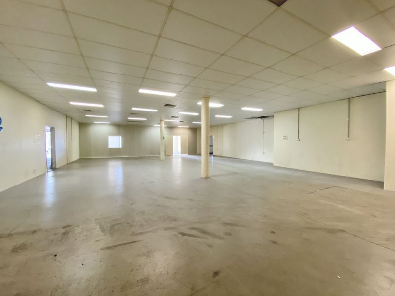 Showroom or Office with Street Frontage