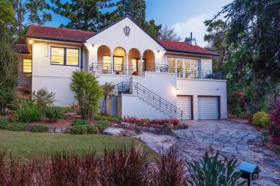 Private entertainer in a convenient Lindfield pocket