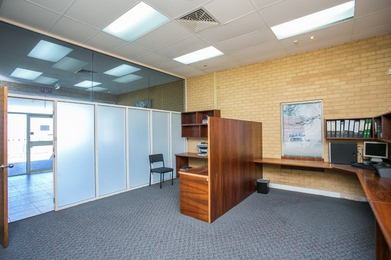 OFFICE SPACE READY TO OCCUPY