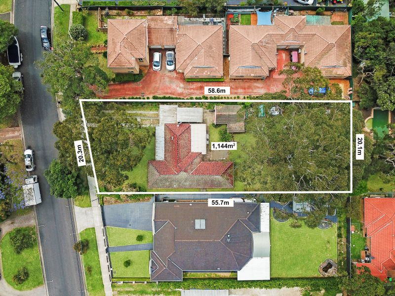 1,144SQM OF LAND & A SHORT WALK TO THE STATION