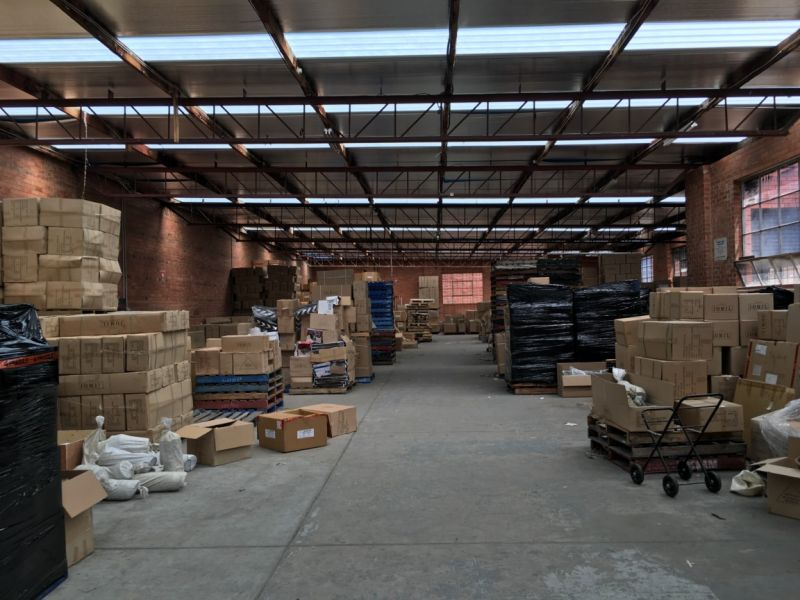 OFFICE / WAREHOUSE IN UNBEATABLE LOCATION