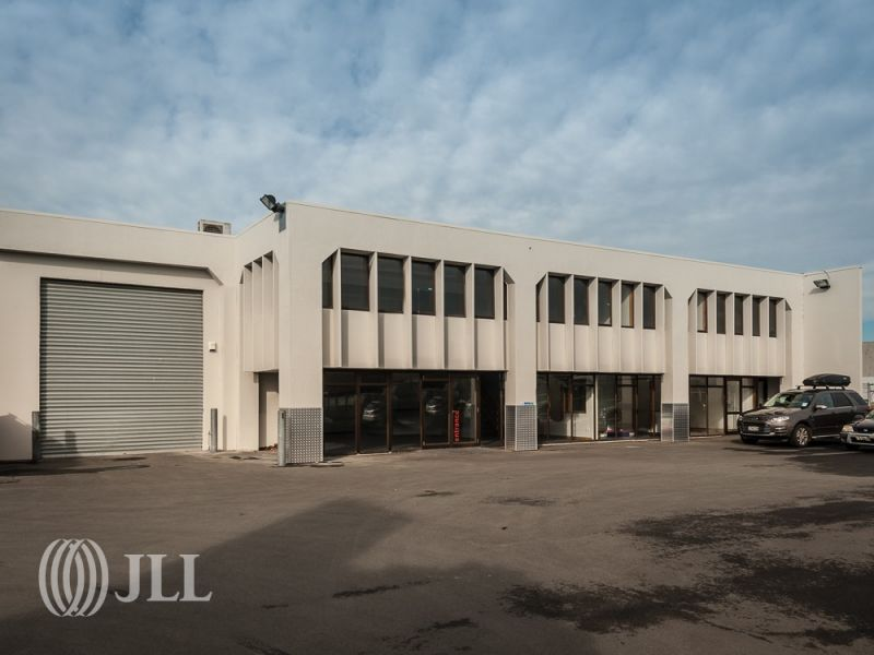 High profile and practical showroom and warehouse