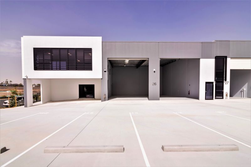 BRAND NEW INDUSTRIAL WAREHOUSE WITH CORPORATE OFFICE