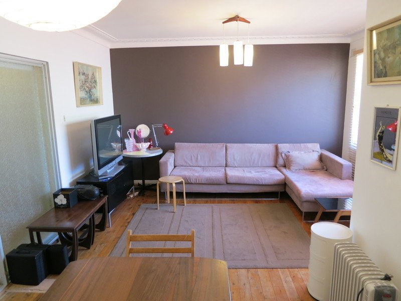 FULLY FURNISHED, SPOTLESS APARTMENT